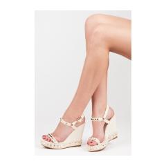 fd86598eea49 Textilné béžové sandále na kline s cvočkami - FL-5836BE