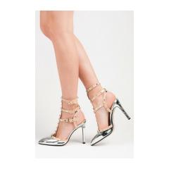 9f3f5c8e988a Lakované strieborné sandále s cvočkami - 63-395AR