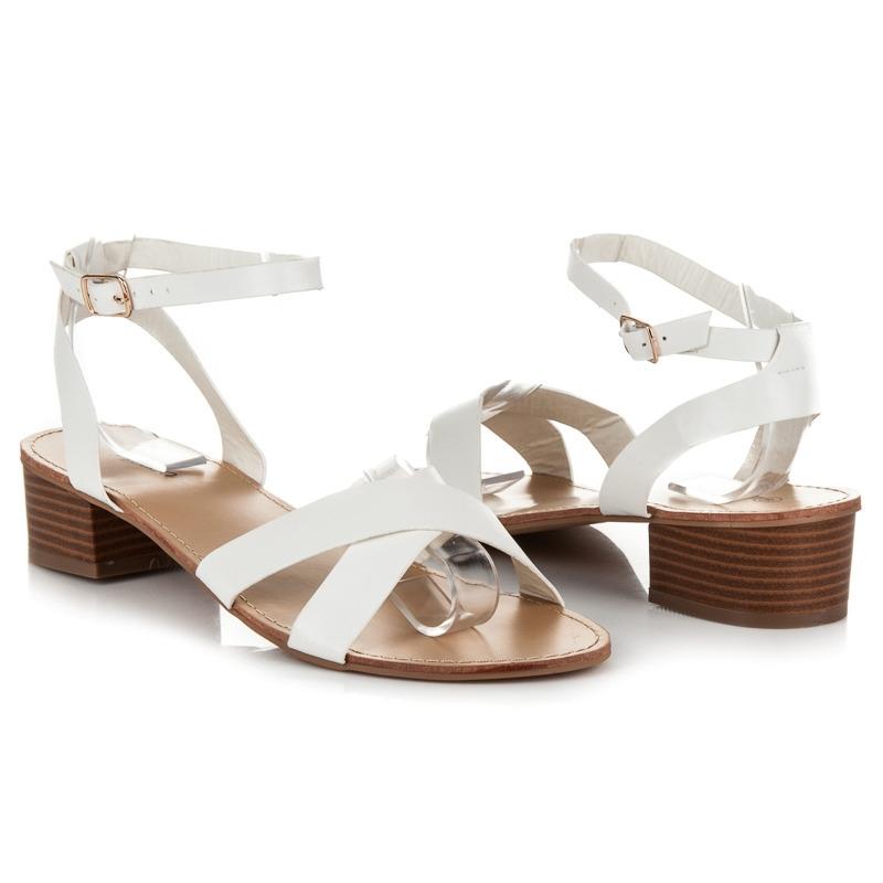 15d6896c3f83 Biele dámske sandále na nízkom podpätku - WL162W
