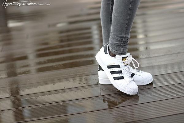 Biele kožené tenisky ADIDAS ORIGINALS SUPERSTAR - C77154  068fad4a030