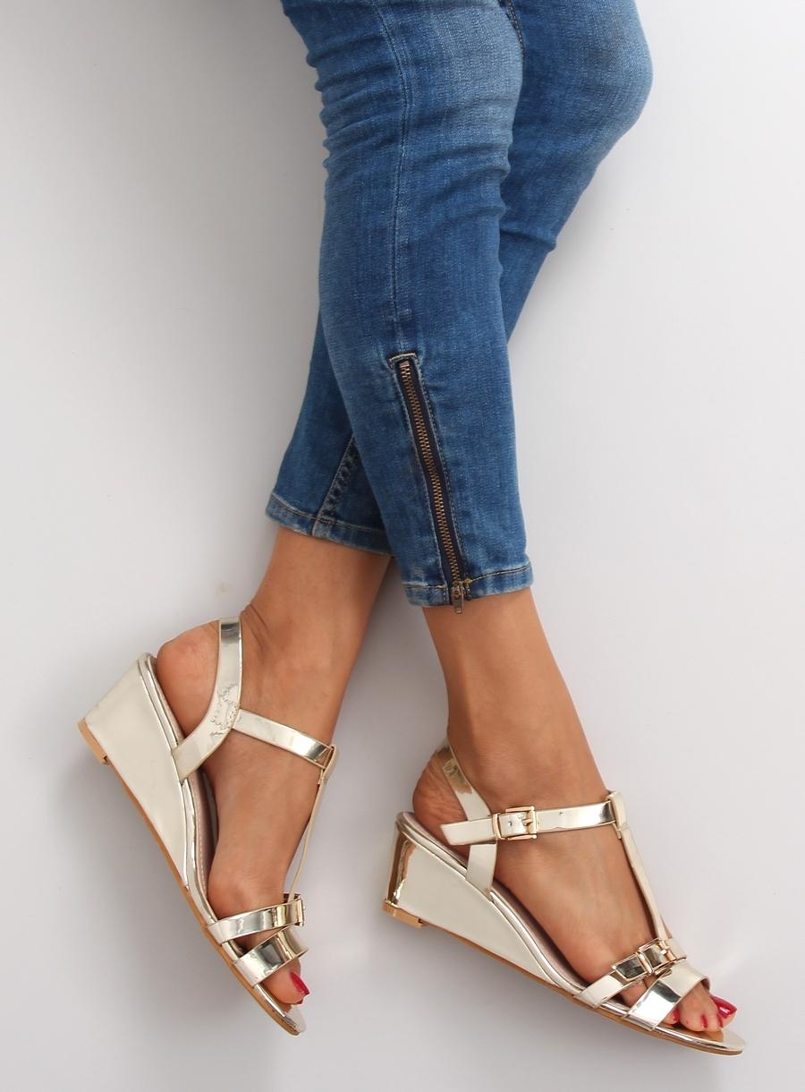Krásne zlaté metalické sandále na platforme - 668-1  cd629f88dde