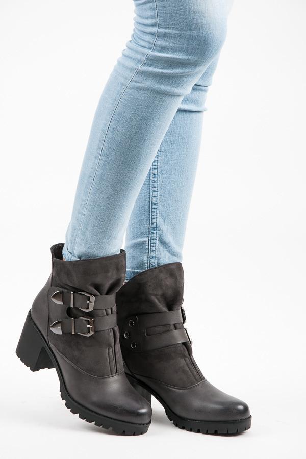 4c75aaaf89 Vysoké šedé dámske topánky na suchý zips - HX18-2564G
