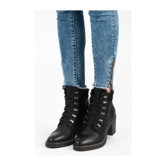 c4d7e19955ea Dámske čierne šnurovacie členkové topánky - RB02B