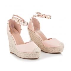 Ružové sandále na kline s cvočkami - LL92P