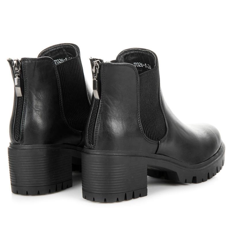 1f6f9a6b78bf Dámske čierne členkové topánky na platforme - T026-1B