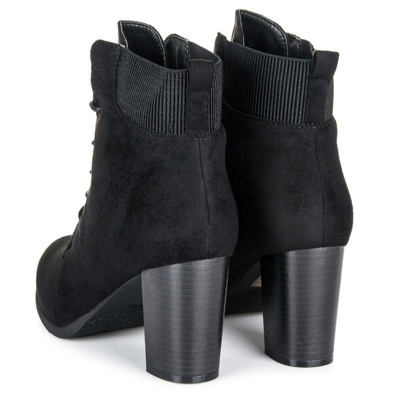 9163bb28010c Dámske čierne semišové členkové topánky na šnurovanie - KA16-55B ...