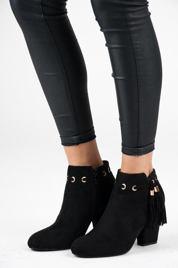 10e22be20a Dámske čierne semišové členkové topánky so strapcami - LB-231B ...