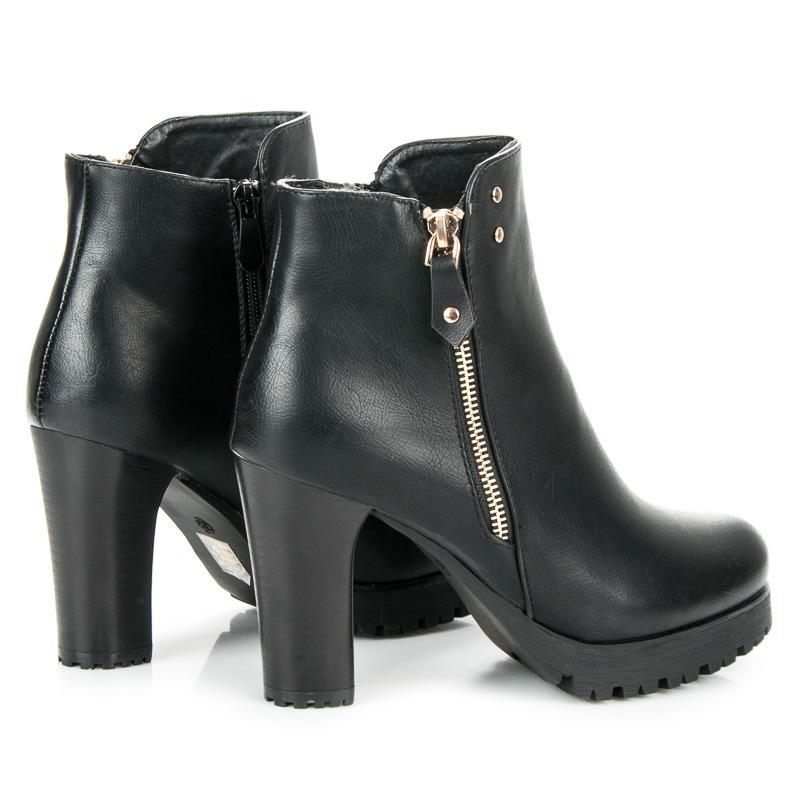 25f7b0dc06a0 Vysoké dámske čierne členkové topánky na platforme - 6697B
