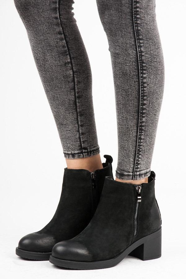 25af7e6326 Dámske čierne kožené zateplené členkové topánky - NL105-1B