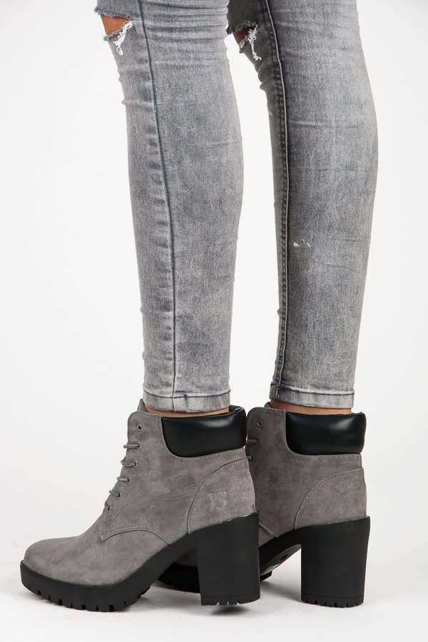 990d7e82c23a Dámske šedé členkové topánky na platforme - 1279-6D.G