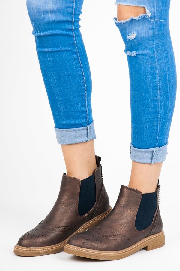 0f7bc5ba33e40 Módne dámske hnedé členkové topánky - K1619004MARRON | dawien.sk