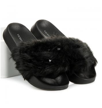 Dámske čierne kožušinové šľapky - S37-1B