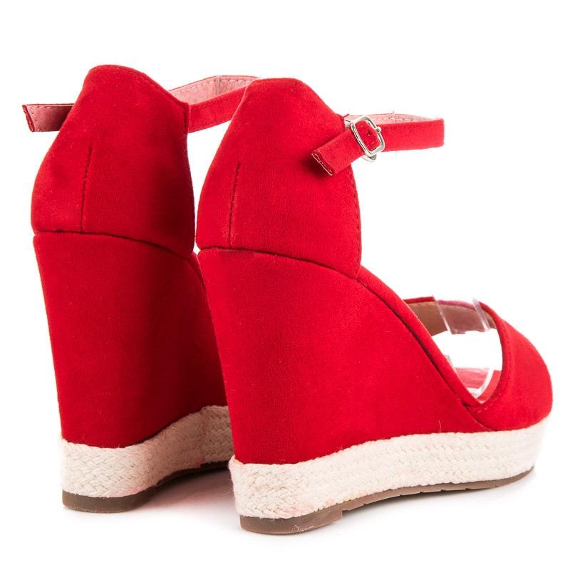 8bac72a2e0 Dámske červené sandále na platforme - GG-47R