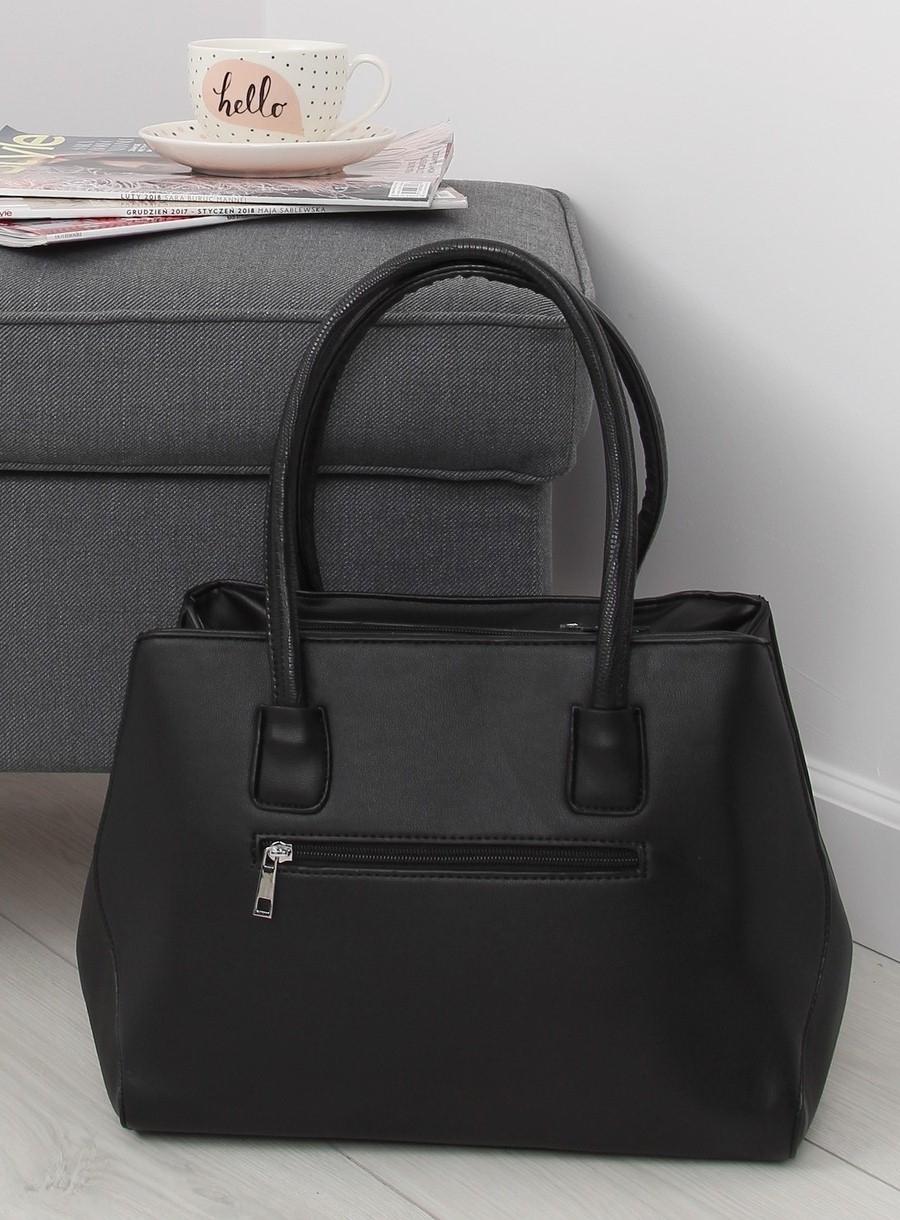 0b36290f4 Elegantná dámska čierna kabelka | dawien.sk