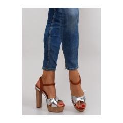 Krásne strieborné dámske sandále - m3006