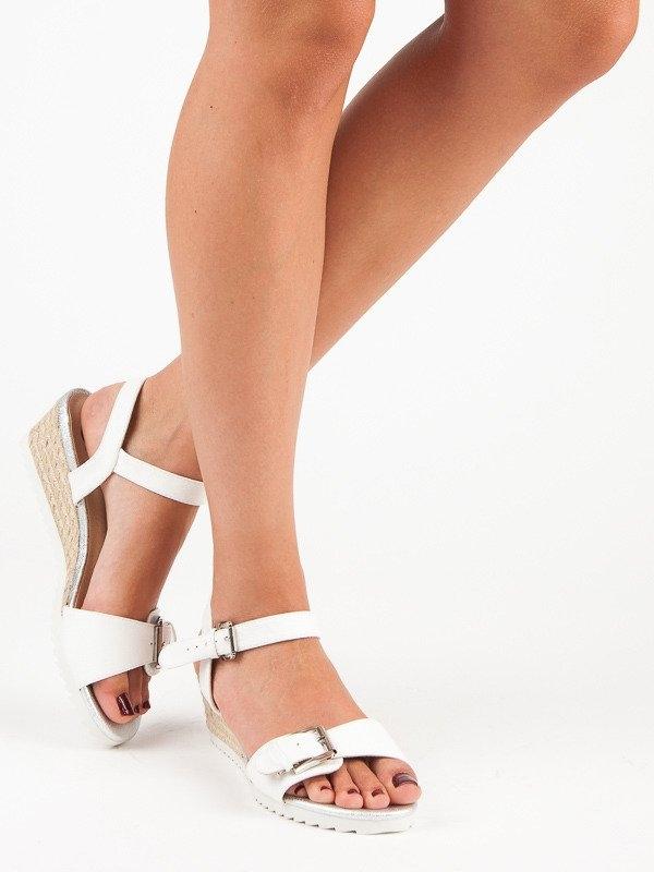 c6d1225a0081 Dámske biele sandále s prackou - K1603406BLA