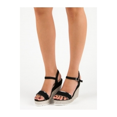 Dámske čierne sandále na kline  - 6823B