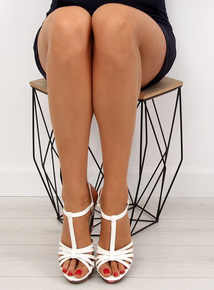 fb2f6aa9eb Dámske biele sandále na platforme - BL201