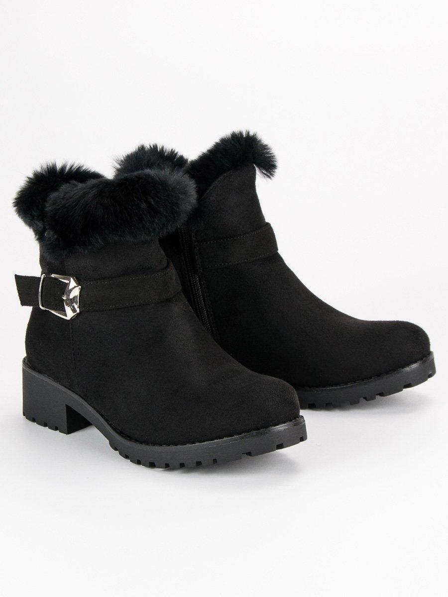 e0b05c6a77bc Dámske čierne zateplené členkové topánky - PE129B