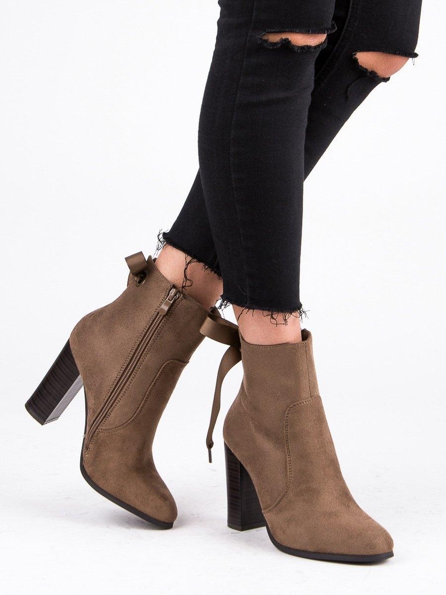 033e9a18e6 Dámske hnedé členkové topánky na stĺpcovom podpätku - 1331KH