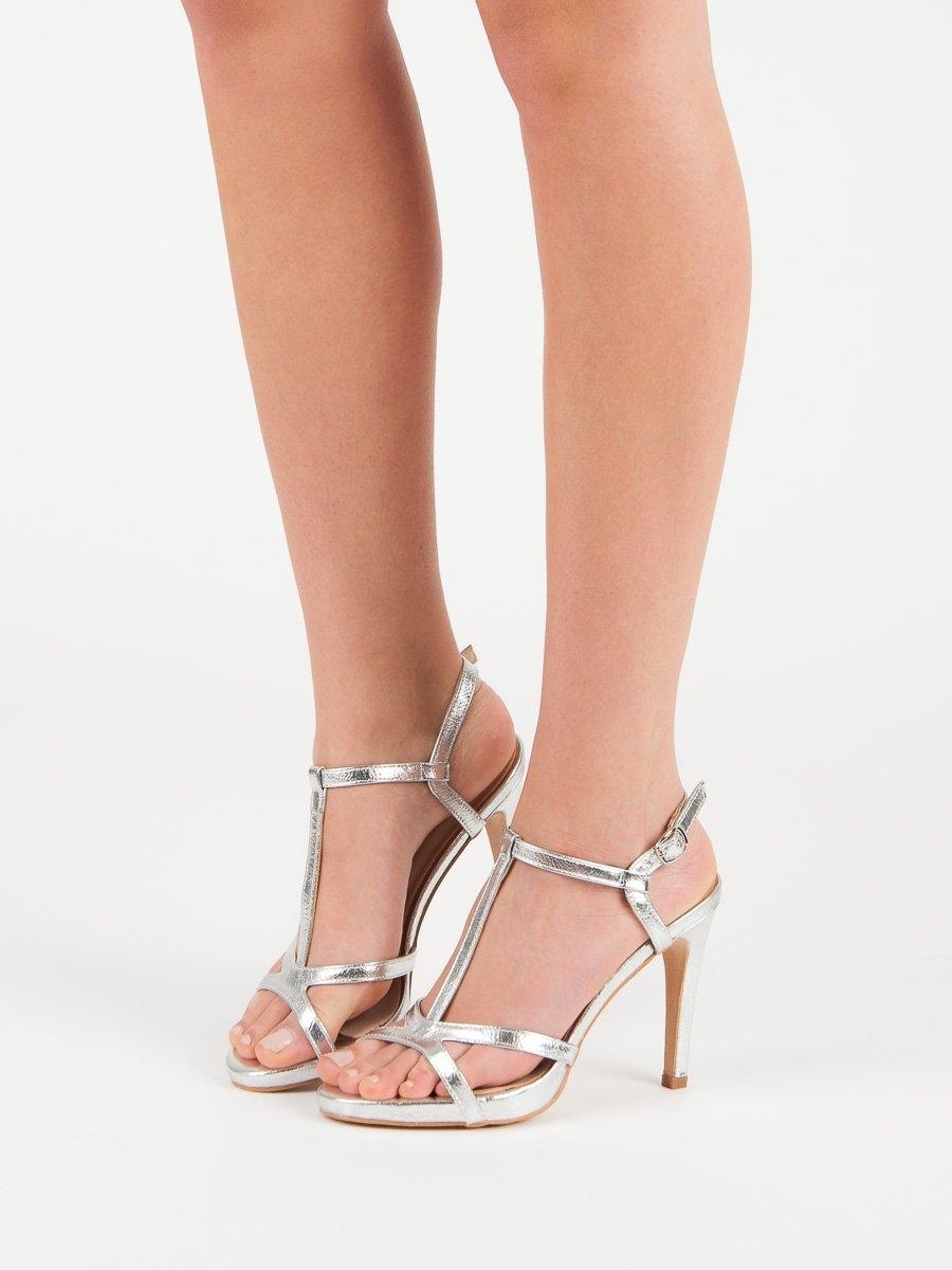 36197c4325c3 Dámske strieborné sandále - YQE19-17018S