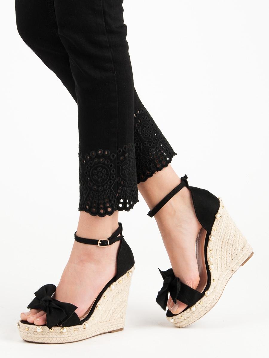 87469446a910 Dámske čierne sandále s mašľou - L22-196B