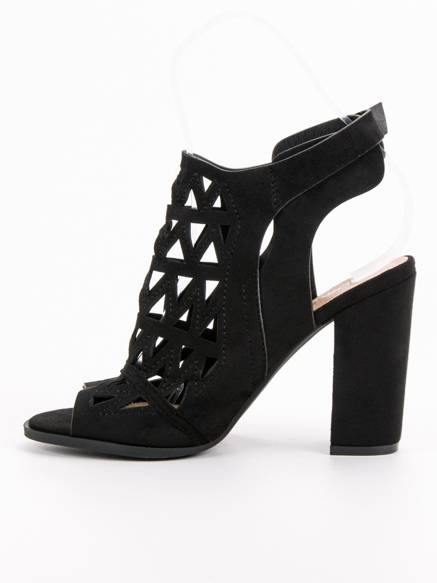 594b4d5eb3a2 Dámske čierne ažúrové sandále - N18-235B