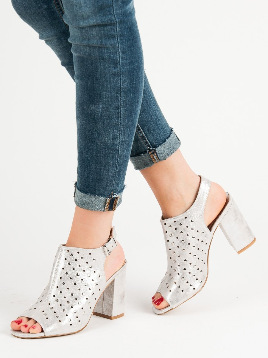 548cc6a601 Dámske strieborné sandále - YQE19-17033S