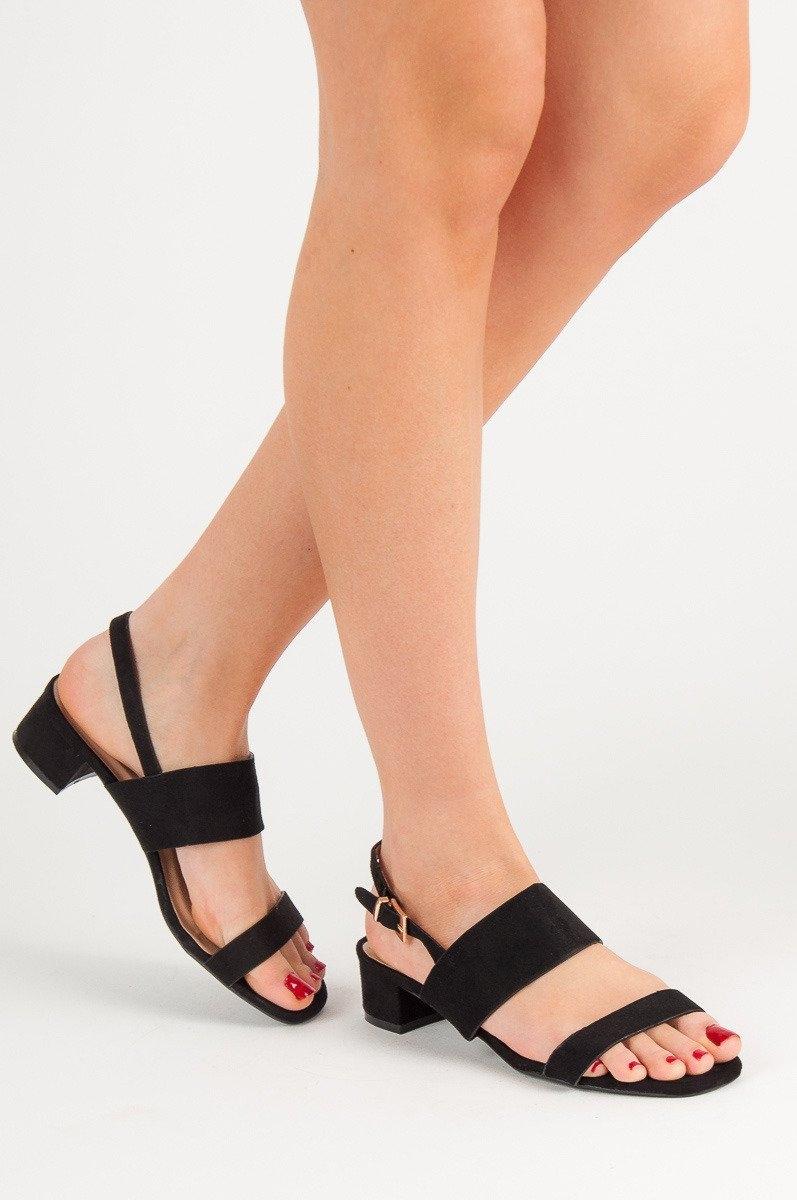 5bfc8c67e471 Dámske čierne sandále na nízkom podpätku - X535B