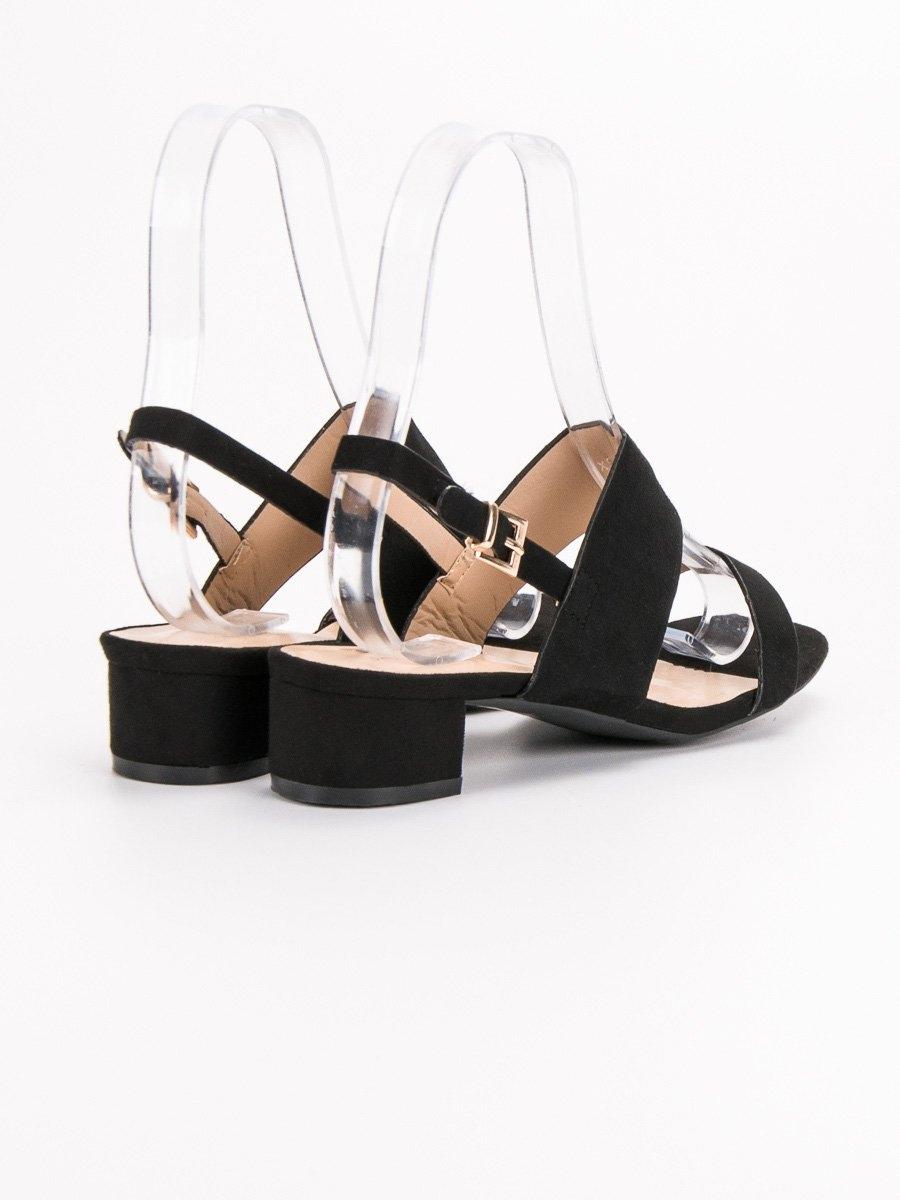 97804f196be9 Dámske čierne sandále na nízkom podpätku - X535B