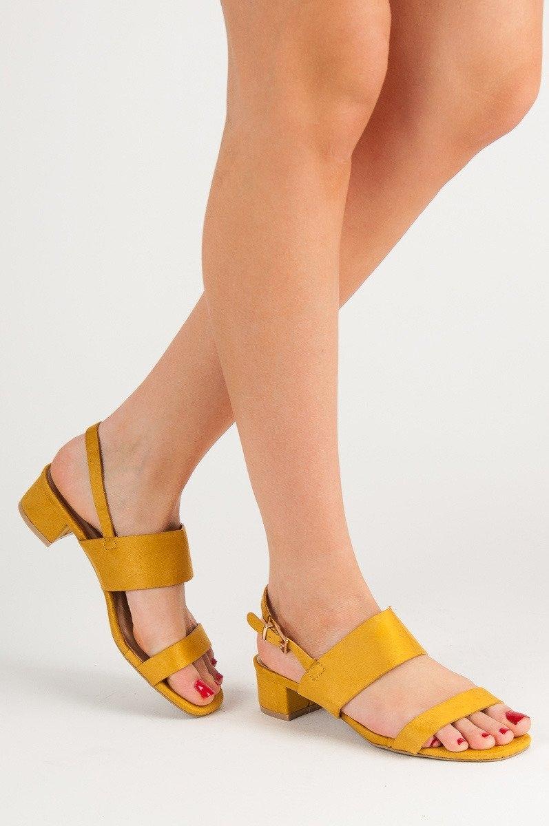 363764c626 Dámske žlté sandále na nízkom podpätku - X535Y