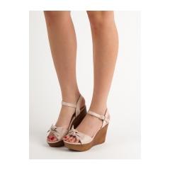 Dámske béžové sandále na kline s mašľou  - HY8542NU