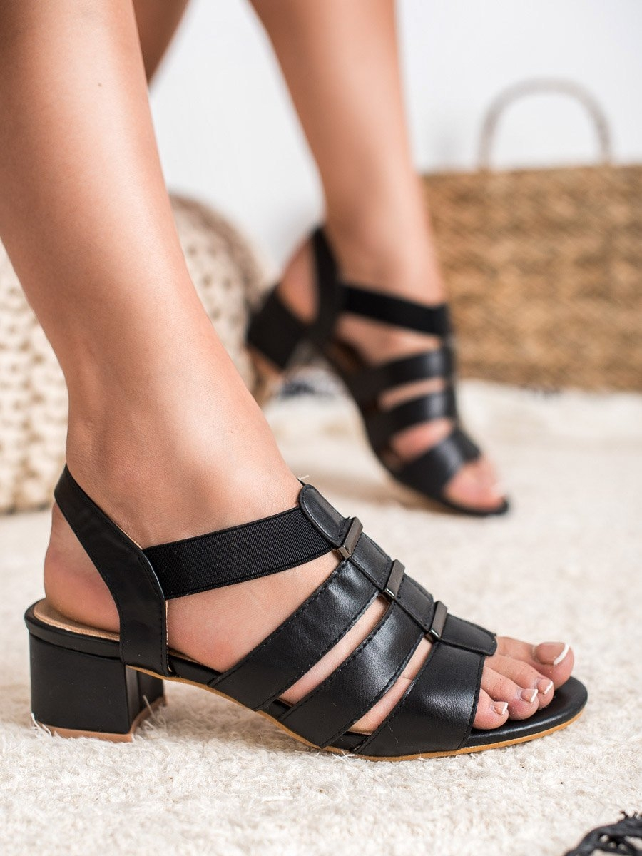 8e26f8beb59da Dámske čierne sandále - 8SD35-0386B | dawien.sk