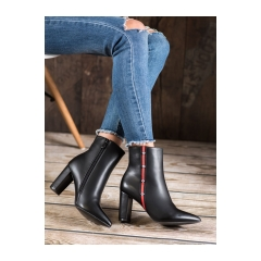 Dámske čierne členkové topánky  - T2161B