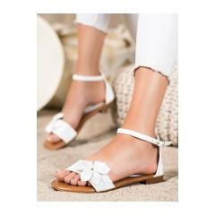 Dámske biele ploché sandále  - LT1719W